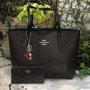 NWT Coach Avenue tote handbag&wallet&charm